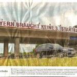 Plane stupid Banner Autobahnbrücke